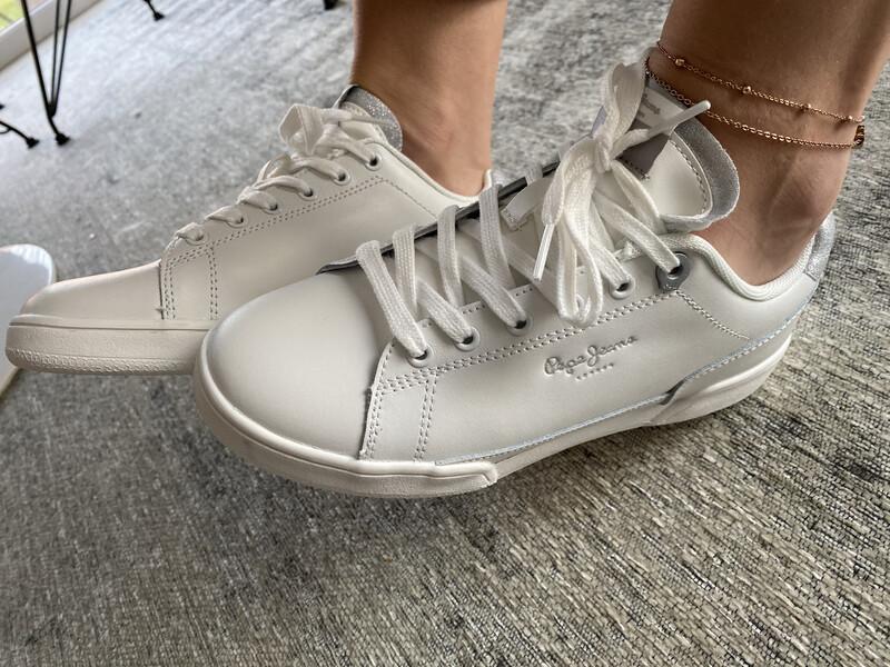 Pepe jeans / basket wit met zilver achter