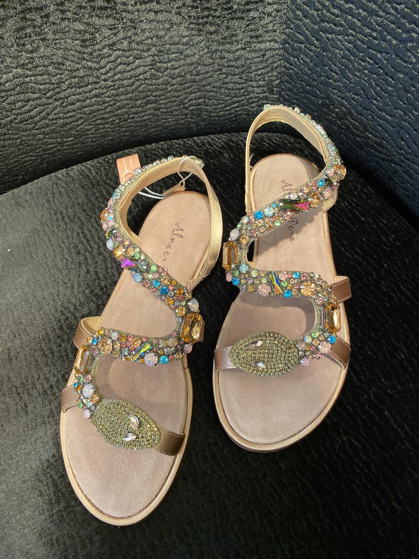 Alma en pena / sandaal plat slang roze