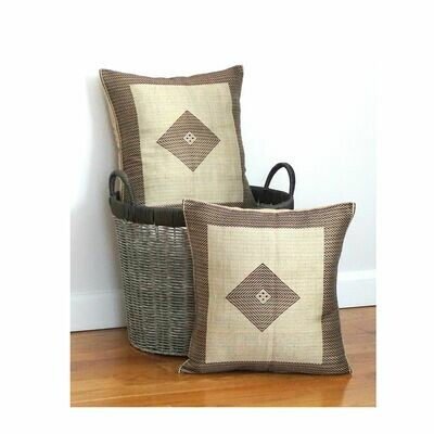 (1) Accent Throw Pillow| For Sofa, Bed| Brown Beige| Made of Cotton, Ryon, Linen