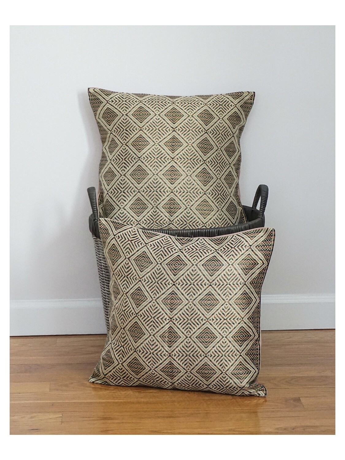 (1) Throw Pillow Accent For Sofa Bed Brown Beige Cotton, Rayon, Linen Ethiopian