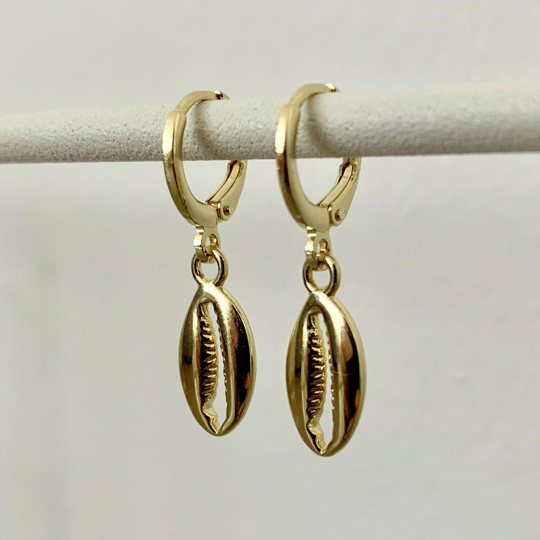 Schelpen oorbellen goud