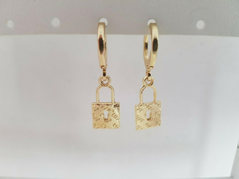 Mini lock oorbellen goud