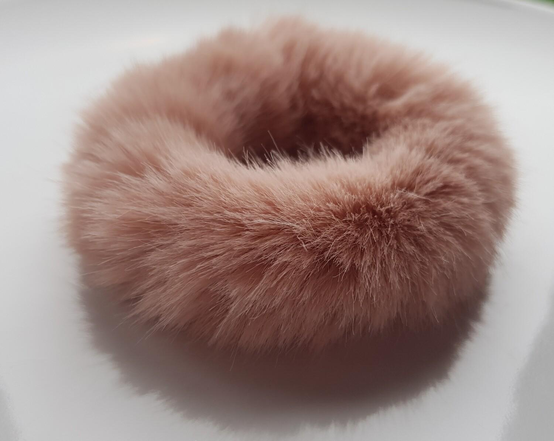 Furry scrunchie oranje/roze