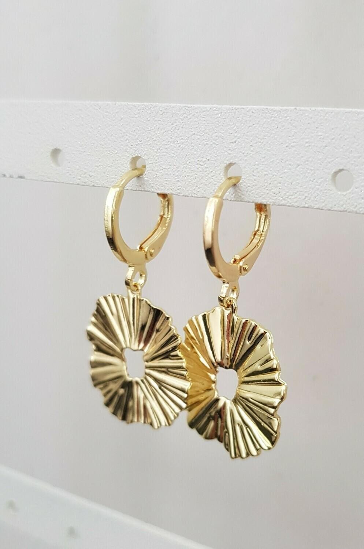 Wave oorbellen goud