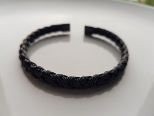 Braided armband zwart