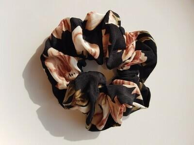 Big flower scrunchie