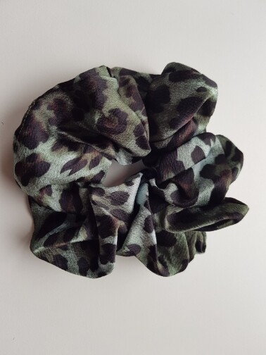 Panterprint scrunchie groen