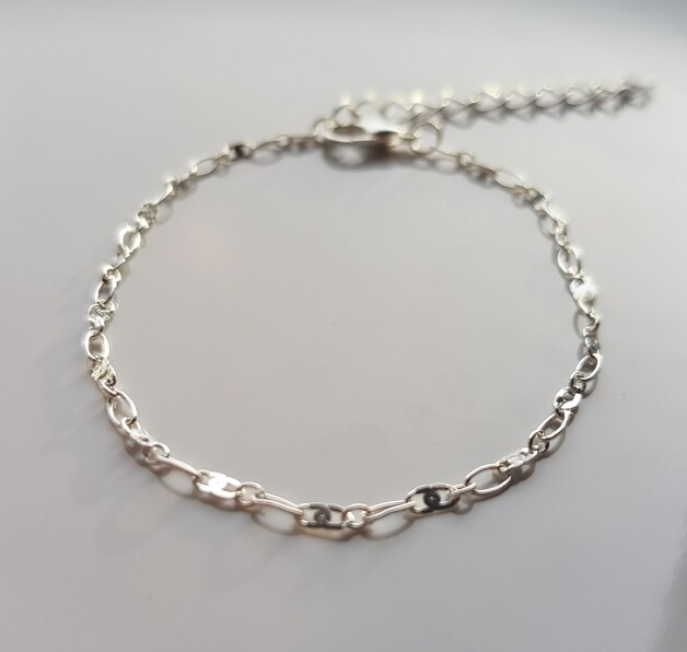 Tiny oval armband zilver