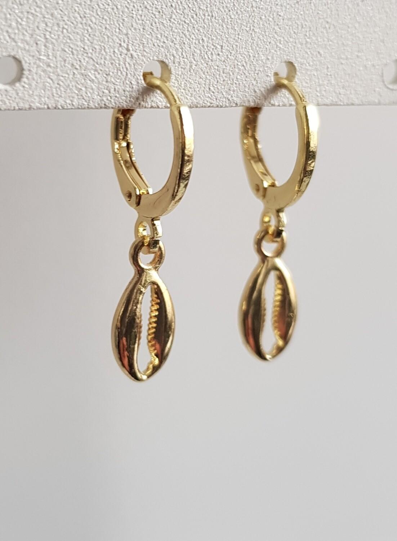 Tiny schelpen oorbellen goud