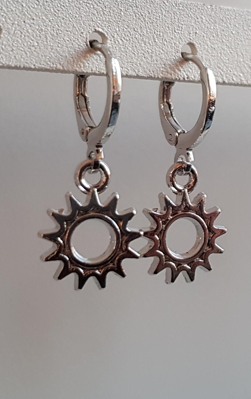 Mini rad oorbellen zilver