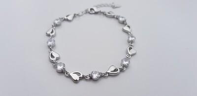 Hartjes armbandje met steentjes diamant/zilver