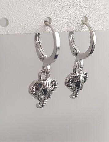 Mini olifant oorbellen zilver