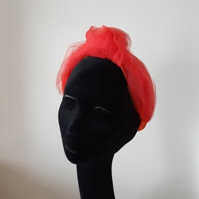 Knotted headband with red tulle