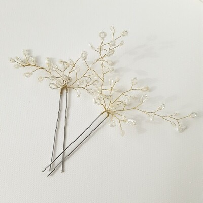 2 hairpins with fine gold coated wire and fine seedbeeds