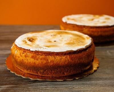 Pumpkin Cheesecake with Marshmallow Meringue