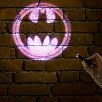 Linterna Logo Batman Proyectable Dc Comics