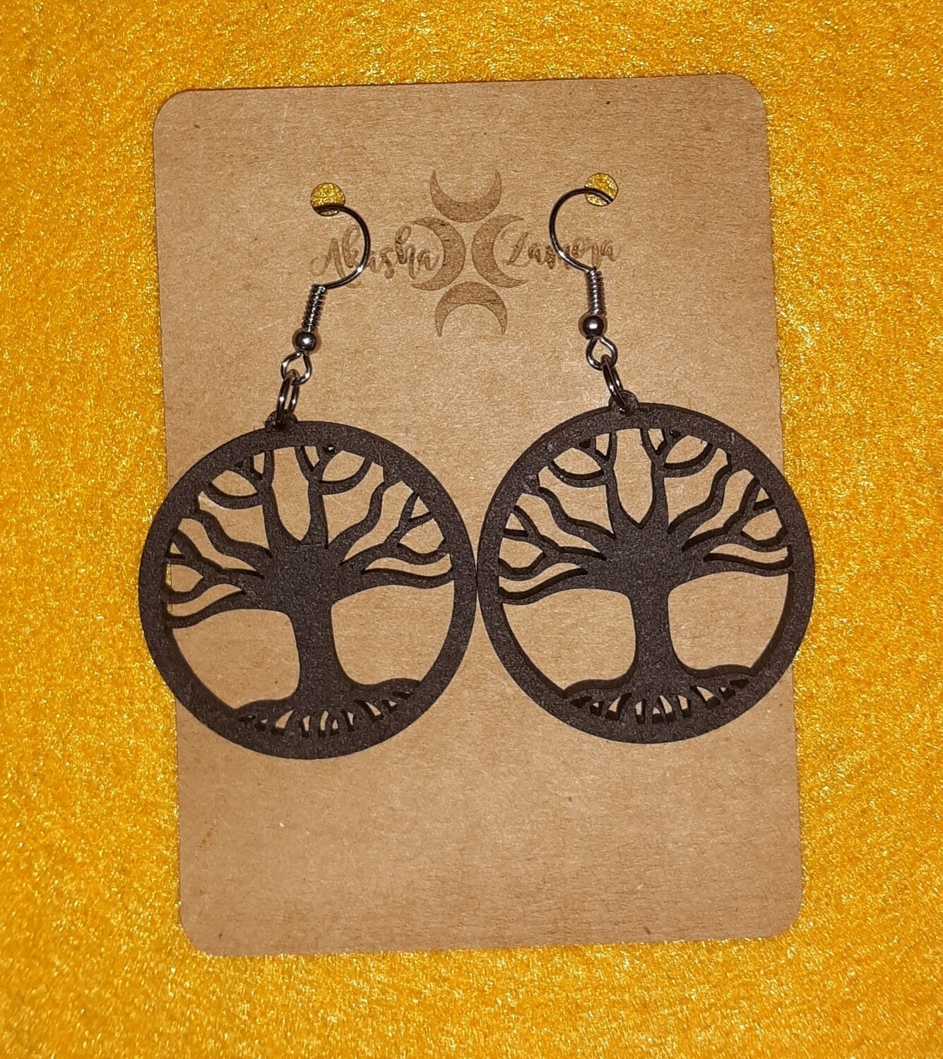 Cutout hook earrings