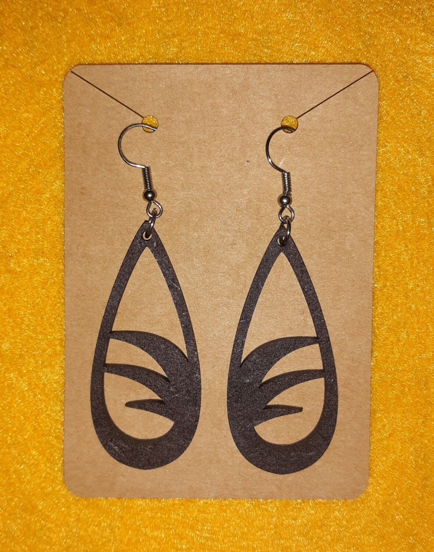 Cutout hook earrings