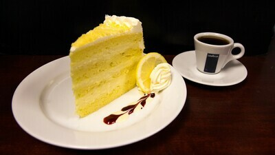 Limoncello Cream Cake 12