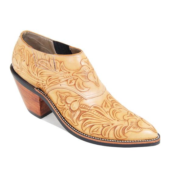 Flor de Primavera Shoe Boots