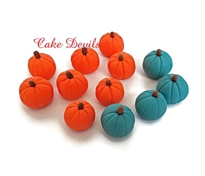 Fall Fondant Pumpkin Cake Decorations, great for an Autumn Wedding or party