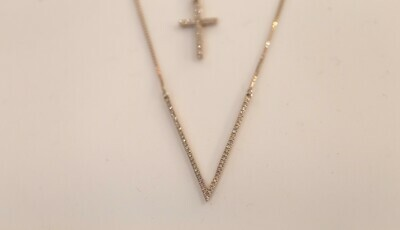 V to the T Diamond Necklace