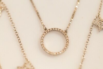 Standing O Necklace