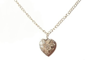 Heart lock pendant necklace