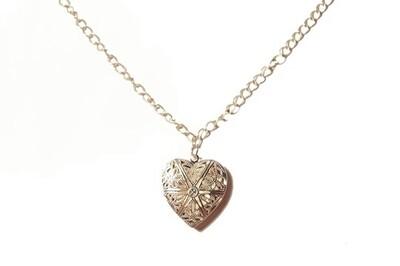 Heart lock pendant necklace