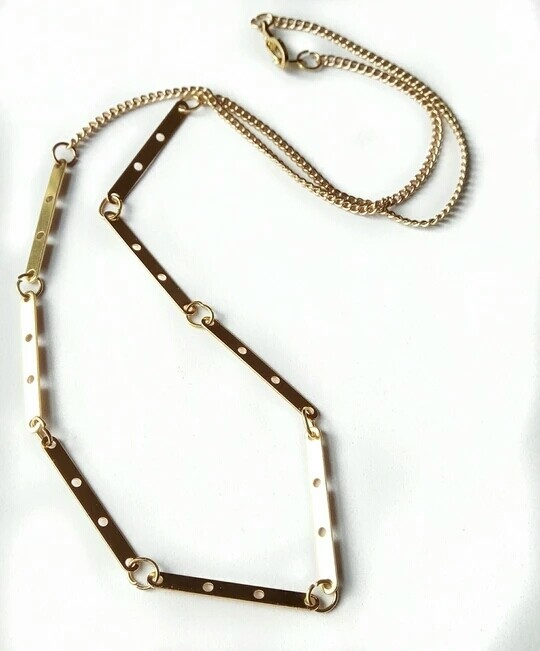Eight har necklace