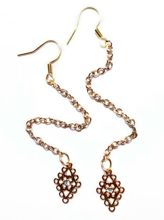 Square pendant earrings
