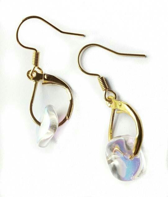Translucent earrings