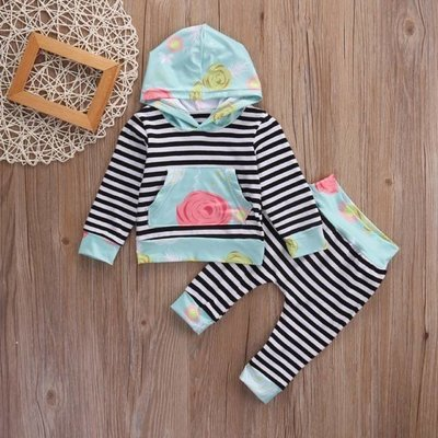 B&W Stripe 2 Pc Set