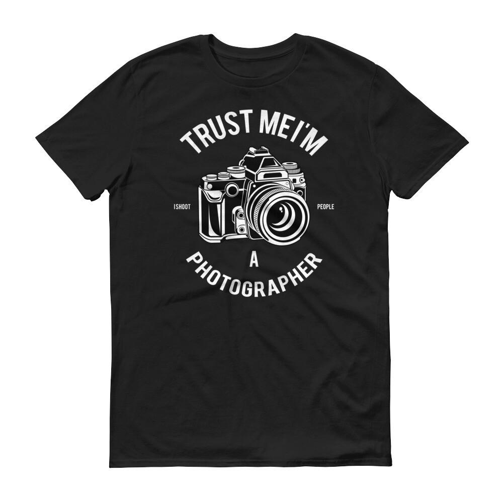 trust me i'm photographer Short-Sleeve T-Shirt