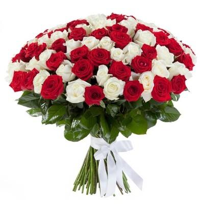 Букет из 101 красной-белой розы