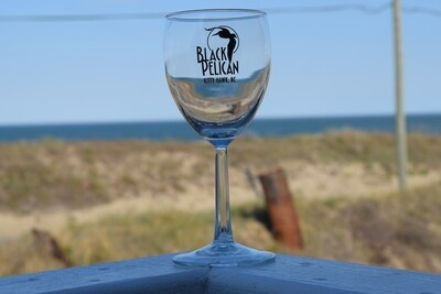 Black Pelican Wine Glass