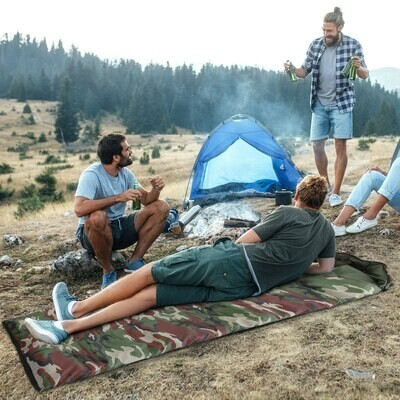 Outsunny® Schlafsack Oudoor Deckschlafsack mit Tragetasche Camping Polyester Camouflage
