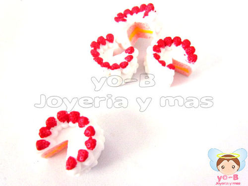 Pastel con fresas (PIEZA TIPO RE-MENT)