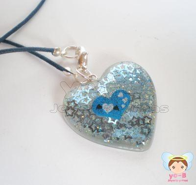 Collar de resina forma de corazon