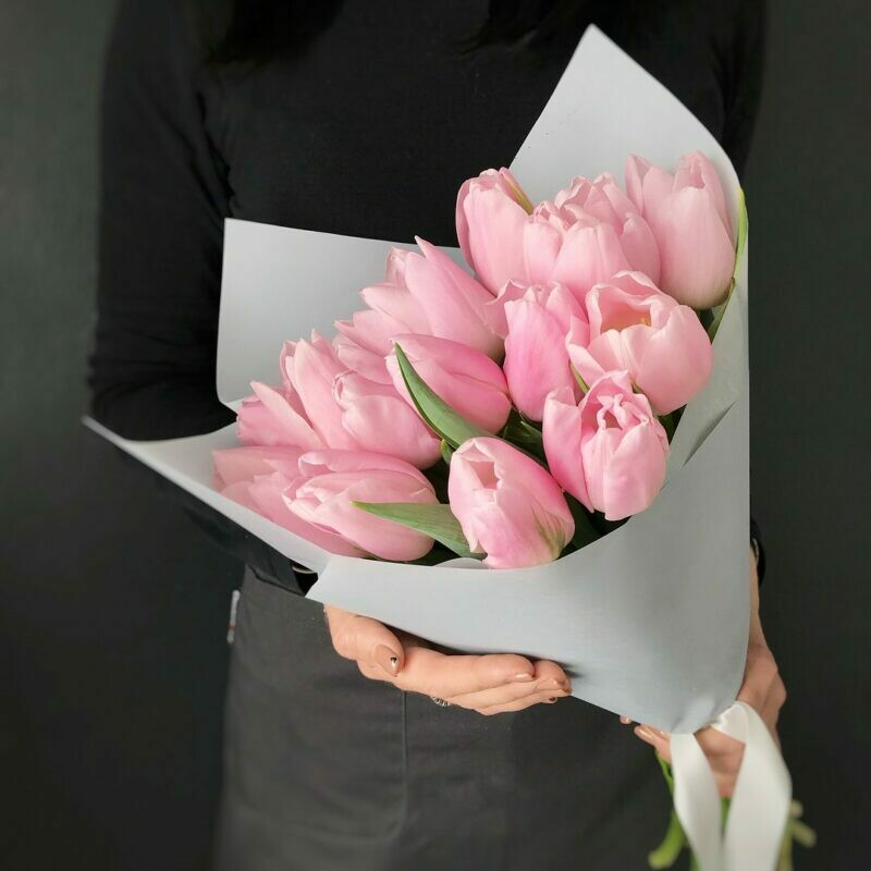 Букет 15 нежно-розовых тюльпанов
