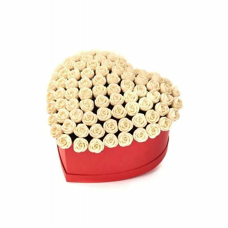 """Коробка """"Сердце"""" 85 белых роз"""