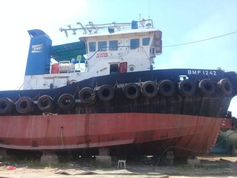 Tuggboat+barge tahun 2005  dan barge 250 feet  tahun 2004 14 Milyar