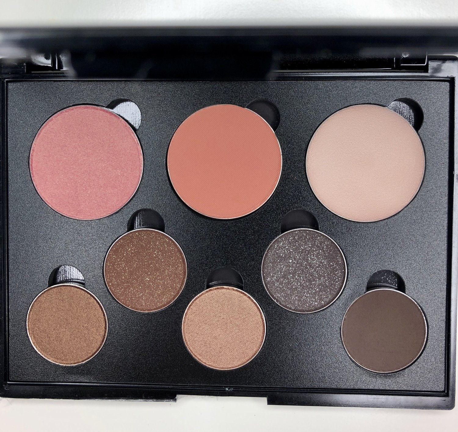 Blush,Hi-Light & Eye Shadow Kit.