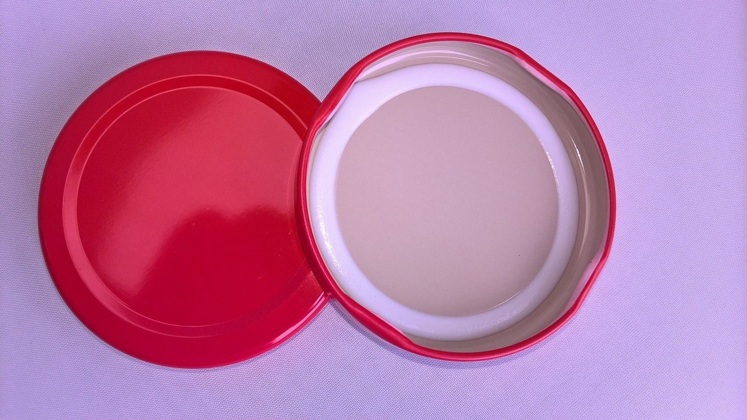 63mm Red Lids