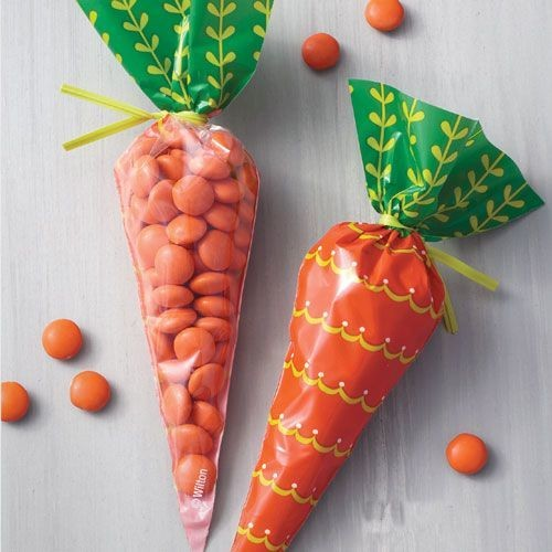Wilton Easter Treat Bags -CARROT SHAPED Τσαντούλες Καρότα για γλυκά & ζαχαρωτά 15 τμχ.