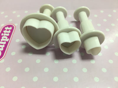 Cake Star Plunger Cutters -Hearts -Set of 3 - Κουπάντ Καρδιές με Εκβολέα - 3 τεμ.