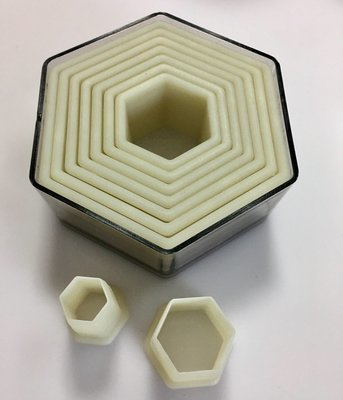 #Set of  Hexagon Shaped Plastic Cutters - 6 τεμάχια Εξάγωνο Κουπάτ 45-90mm