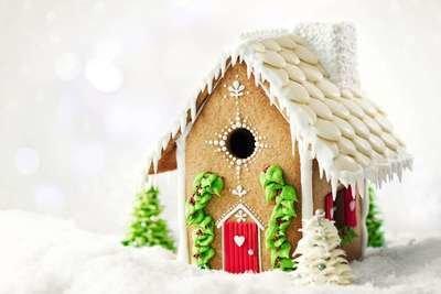 By Sweetly Does It -Gingerbread House Cutter Cookie -Σετ 7 κουπάτ για Mπισκοτόσπιτο 13.5εκ Χ 21εκ Χ 25.5εκ