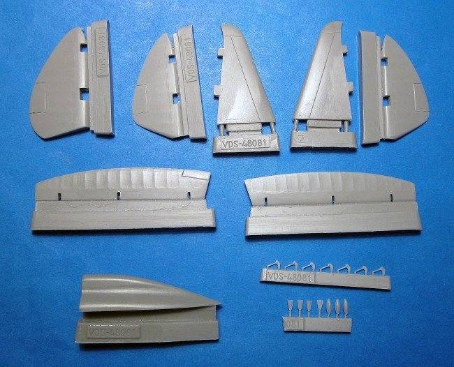 1/48 Reggiane Re.2002 Spine & Control Surfaces Vector resin for Tamiya: VDS48081