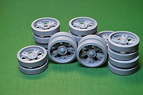 Miniarm 1/35 T-55AM Road Wheels set,16 pcs standard & 4 pcs reinforced hub